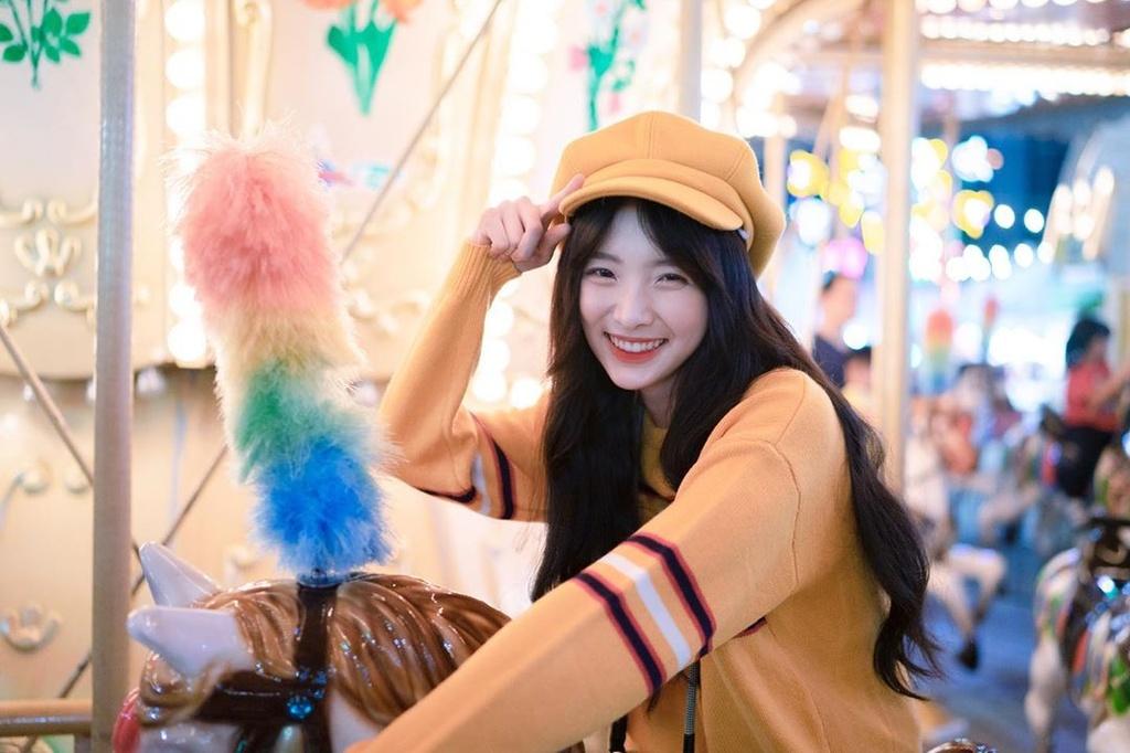 Hot girl 'Lat mat 3' cua Ly Hai tham gia show song con ban Trung hinh anh 1 73425446_452529128976814_110980528809221244_n.jpg