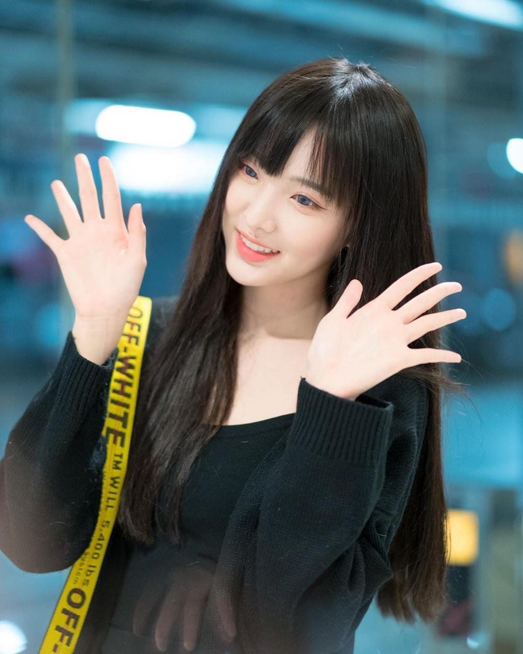 Hot girl 'Lat mat 3' cua Ly Hai tham gia show song con ban Trung hinh anh 8 82336918_815489238920186_484585032204980638_n.jpg