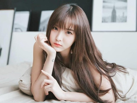 Hot girl 'Lat mat 3' cua Ly Hai tham gia show song con ban Trung hinh anh 2 hotgirl_thumb.jpg