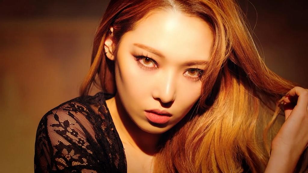 idol Kpop debut nhieu lan anh 8