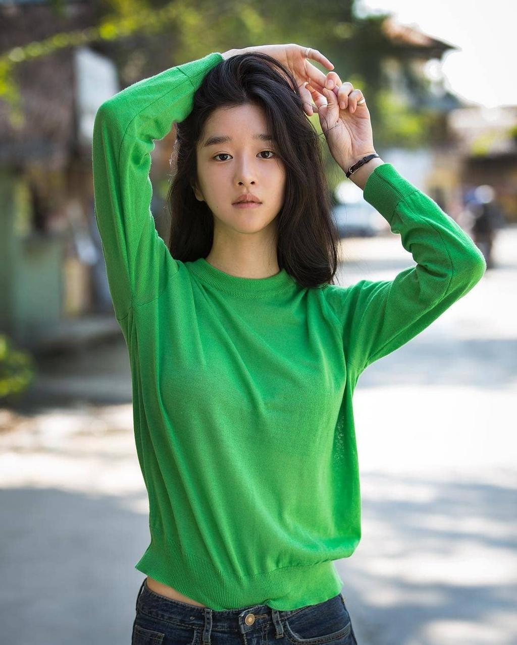 nhan sac ngoai doi cua Seo Ye Ji anh 12