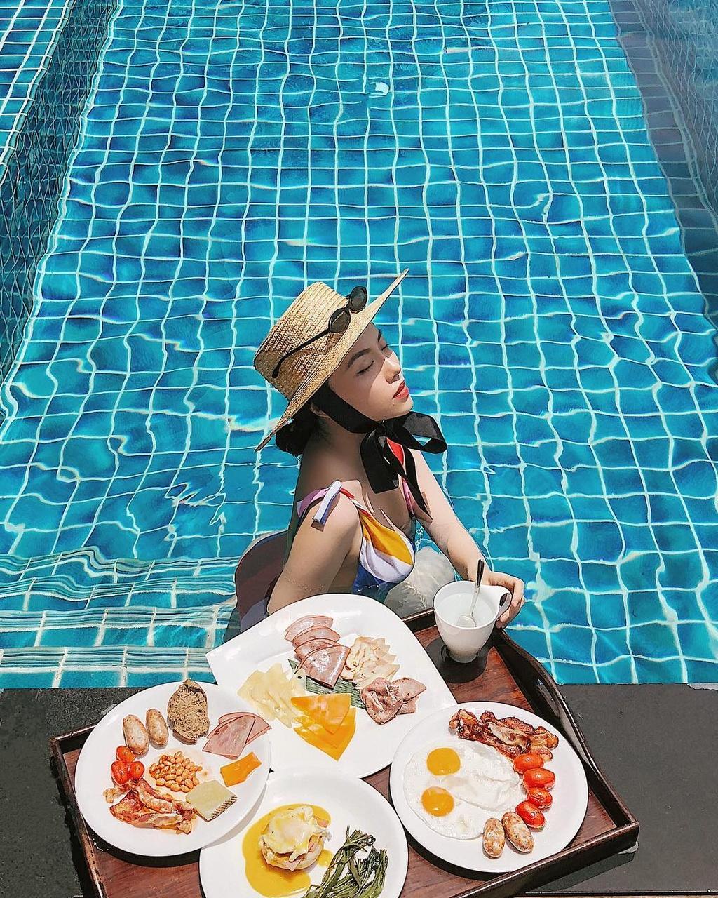Ngam do an ngon, sang chanh tren Instagram hot girl Ha Truc hinh anh 1