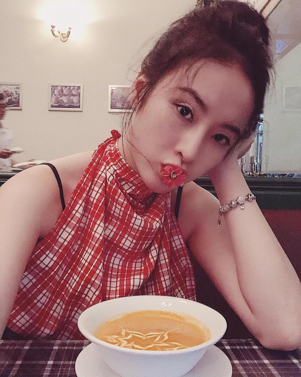 Muon van mon chay ngon mieng giu dang dep nhu Angela Phuong Trinh hinh anh 16