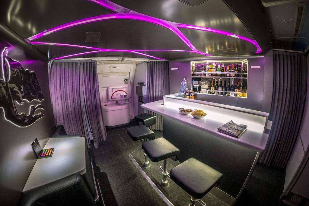 6 quầy bar sang trọng trên phi cơ của các hãng hàng không cao cấp - Ảnh 8