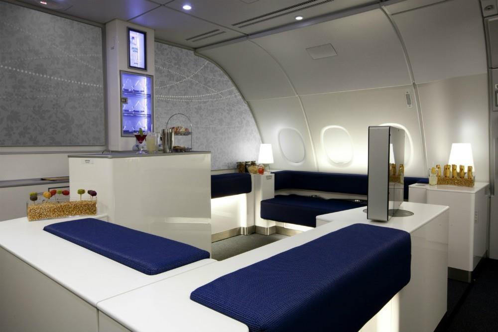 6 quầy bar sang trọng trên phi cơ của các hãng hàng không cao cấp - Ảnh 7