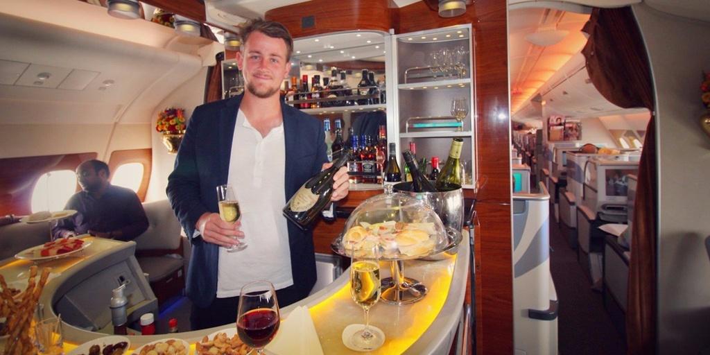 6 quầy bar sang trọng trên phi cơ của các hãng hàng không cao cấp - Ảnh 4