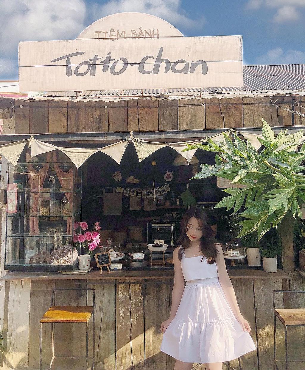 Ngắm lại hình check-in như phim tại tiệm bánh Totto-chan