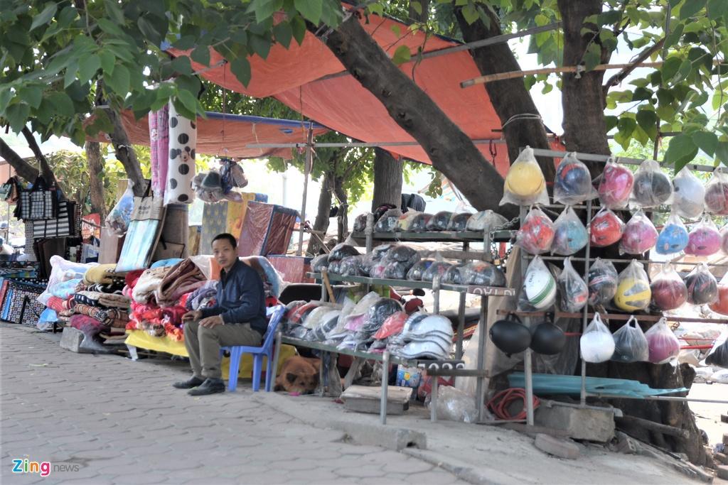 Chợ tạm Ngã Tư Sở bị tháo dỡ sau gần 10 năm tồn tại