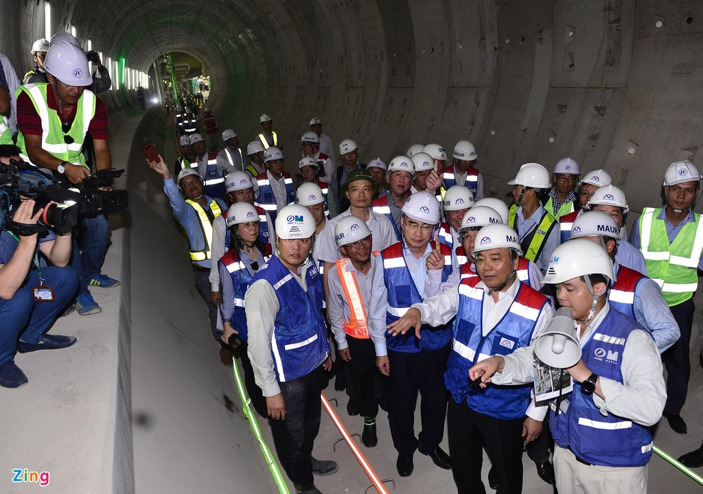 Metro Sai Gon cham tien do anh 1