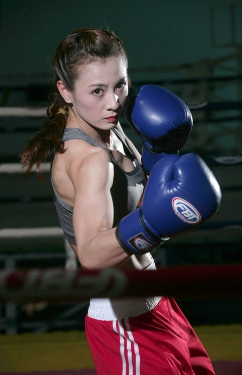 'Hoa khoi boxing' binh luan tran dau ty do cua Mayweather la ai? hinh anh 7