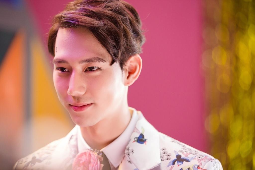 5 trai dep 'khong phai dang vua' trong MV cua sao Viet hinh anh 6