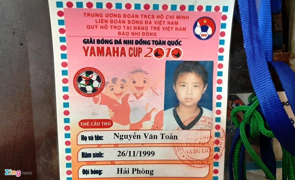 Me Van Toan ke chuyen cam con choi bong va chuyen tham nha giua khuya hinh anh 3 vantoan_zing_.jpg