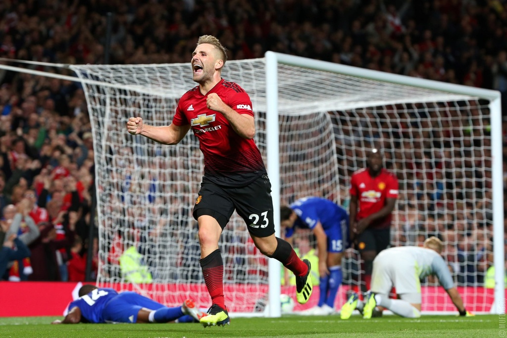 MU thang Leicester 2-1: Hay cu vui khi co the hinh anh 5