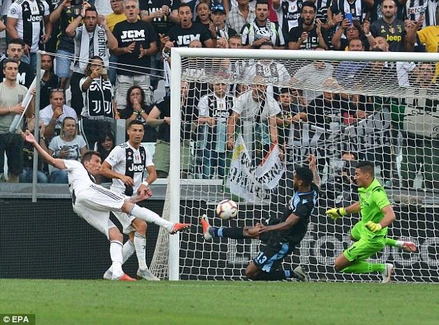 Ronaldo tit ngoi 2 tran lien tiep: Chuyen gi xay ra voi CR7? hinh anh 2