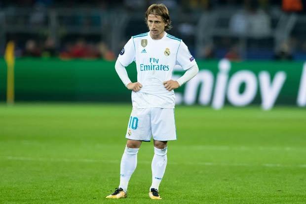 Ronaldo se vuot Modric de gianh Qua bong vang 2018? hinh anh 2