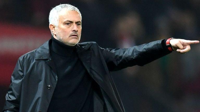 Jose Mourinho bi sa thai anh 1