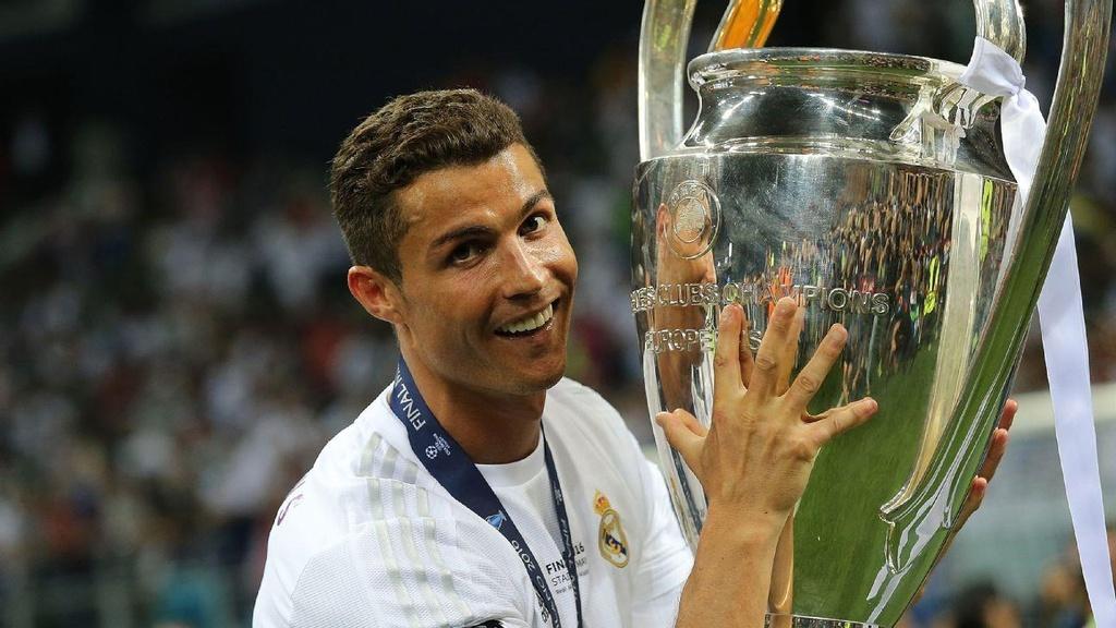 10 khoanh khac dang nho cua Ronaldo tai Champions League hinh anh 6