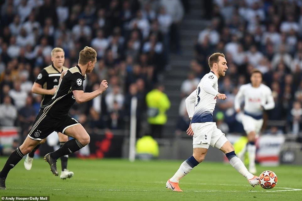 Ajax chinh phuc Tottenham bang su don gian hinh anh 2