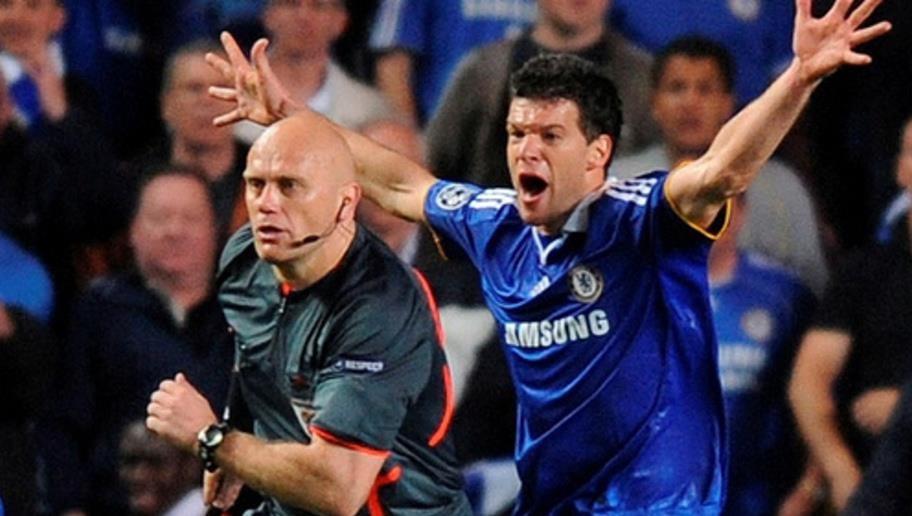 Manchester United, Real Madrid, Barcelona, Arsenal, Chelsea, Manchester City, sai lầm trọng tài