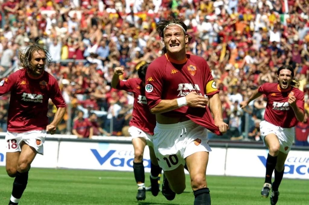 Totti bat khoc trong ngay chia tay AS Roma hinh anh 5