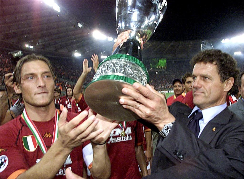 Totti bat khoc trong ngay chia tay AS Roma hinh anh 6