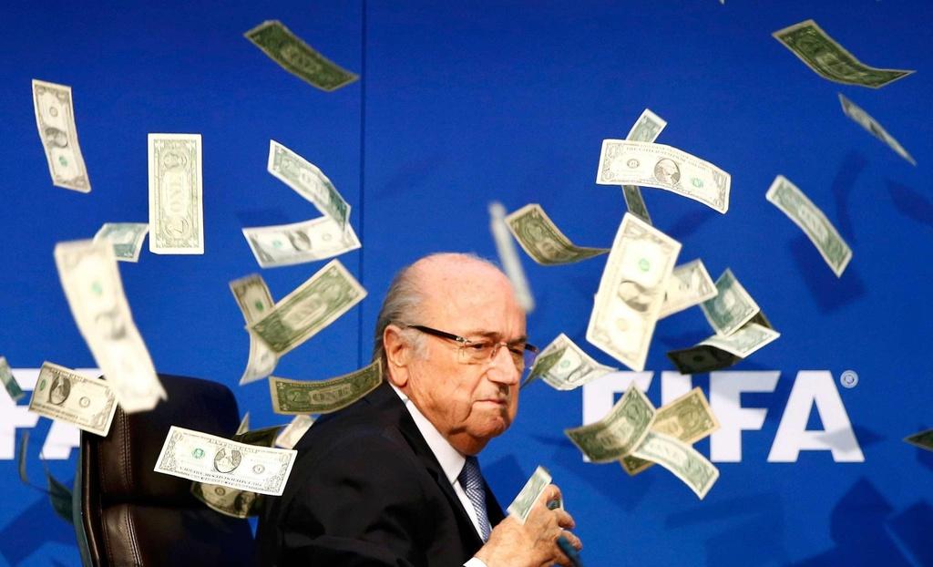 Michel Platini - tu huyen thoai den ke gian lan xuyen luc dia hinh anh 5