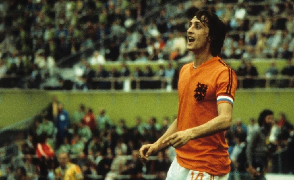 Johan Cruyff va cu ngoat bong thay doi the gioi hinh anh 2
