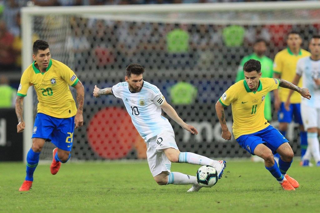 Lionel Messi chinh la van de cua DT Argentina hinh anh 2