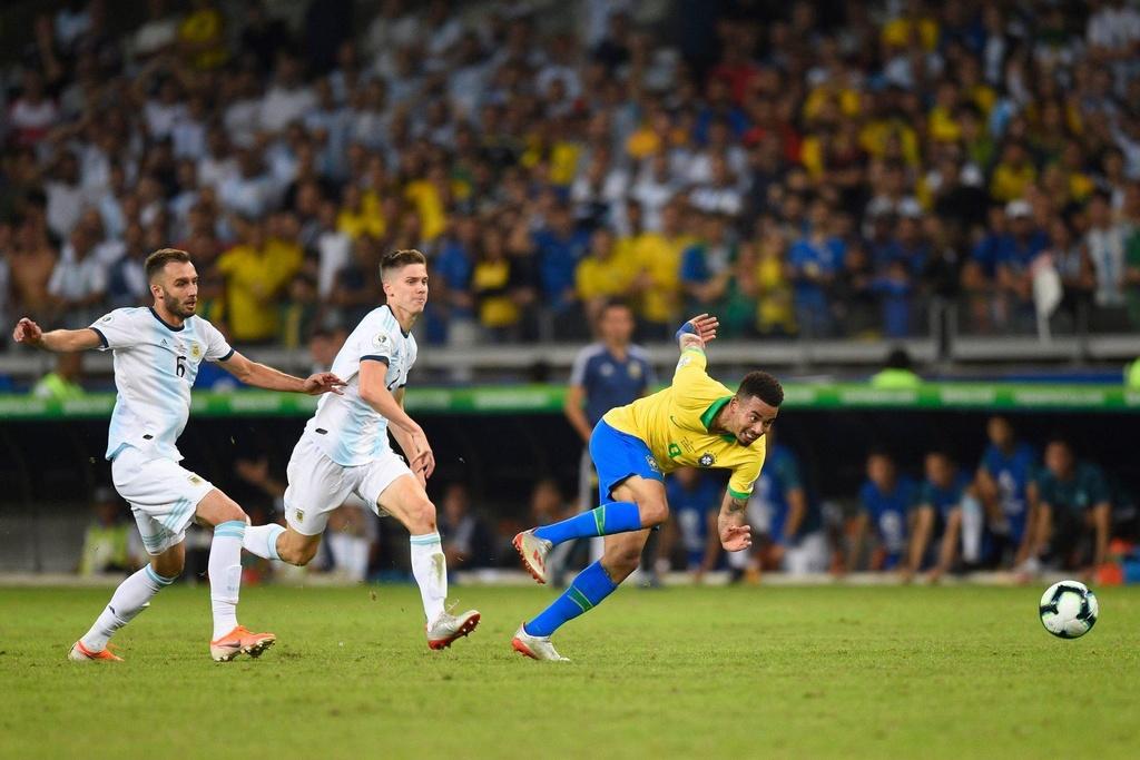 Lionel Messi chinh la van de cua DT Argentina hinh anh 3