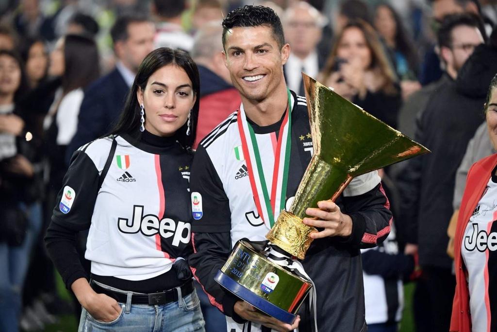 Ronaldo va vinh quang bi khuoc tu o FIFA The Best hinh anh 6
