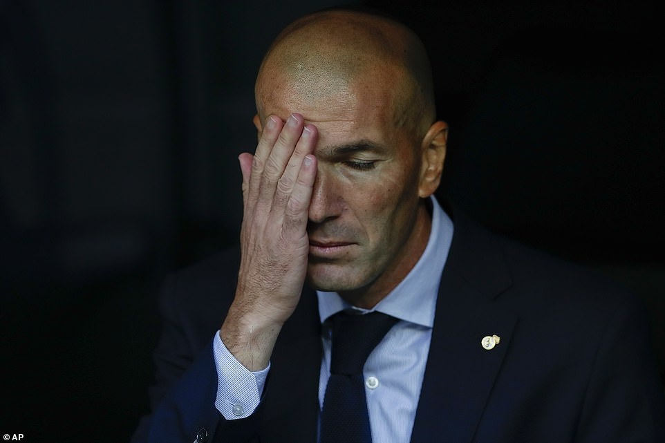 Dang cap cua Real bien mat khi Ronaldo ra di hinh anh 2