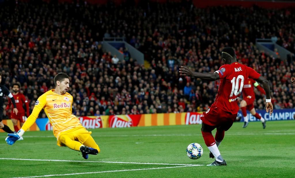 Salah lap cu dup trong tran dau co 7 ban thang cua Liverpool hinh anh 2