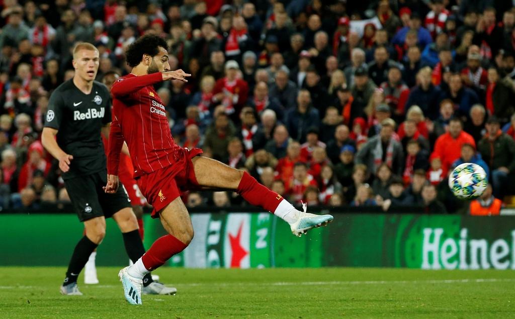 Salah lap cu dup trong tran dau co 7 ban thang cua Liverpool hinh anh 13