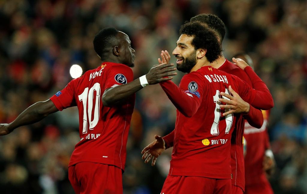 Salah lap cu dup trong tran dau co 7 ban thang cua Liverpool hinh anh 14