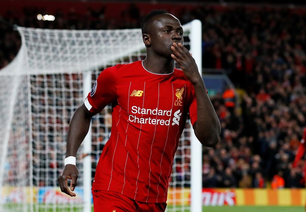 Salah lap cu dup trong tran dau co 7 ban thang cua Liverpool hinh anh 3