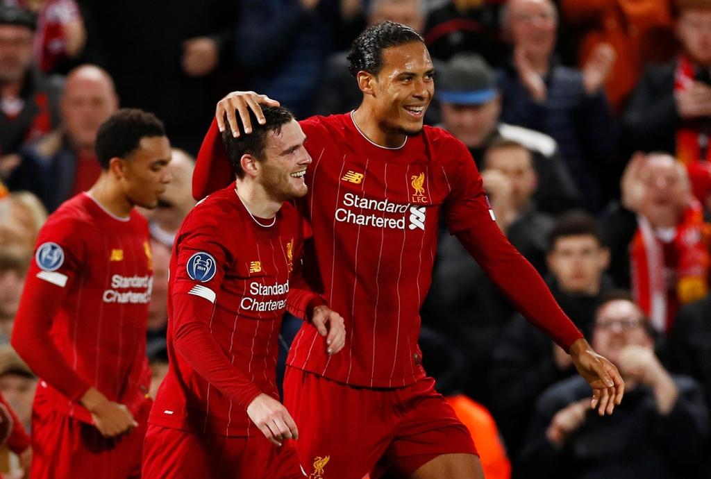 Salah lap cu dup trong tran dau co 7 ban thang cua Liverpool hinh anh 5