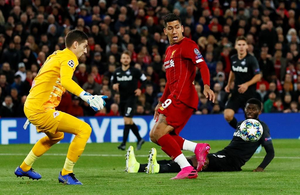 Salah lap cu dup trong tran dau co 7 ban thang cua Liverpool hinh anh 1
