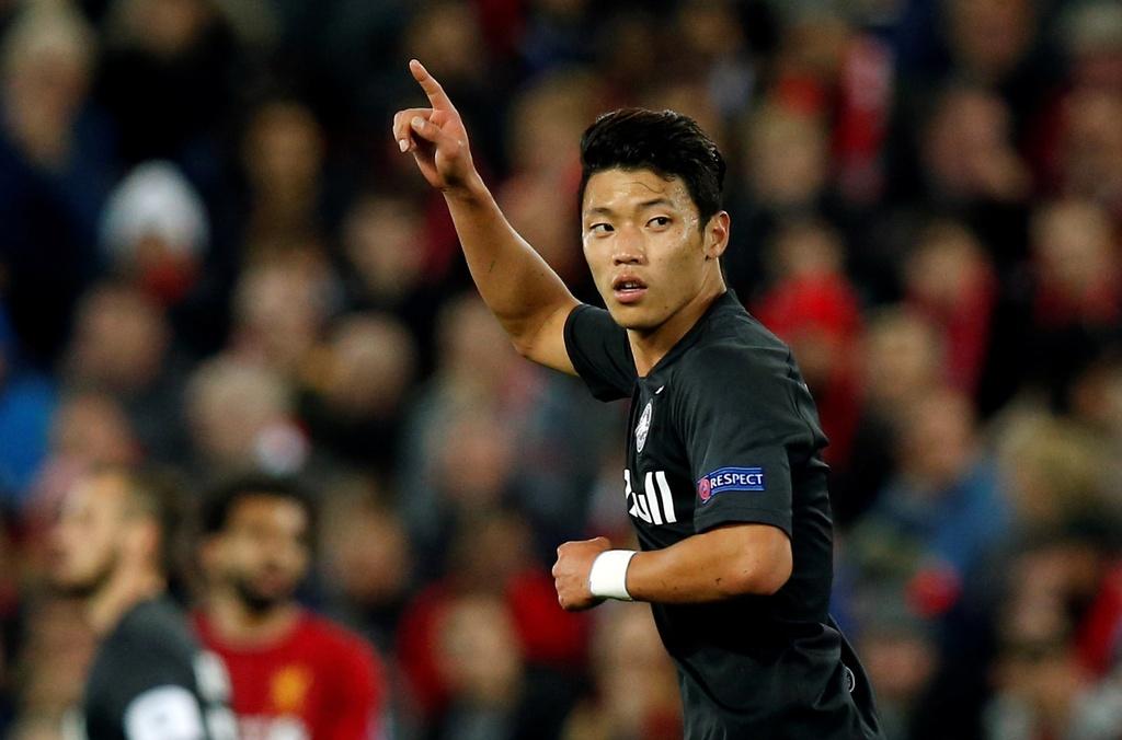 Salah lap cu dup trong tran dau co 7 ban thang cua Liverpool hinh anh 9