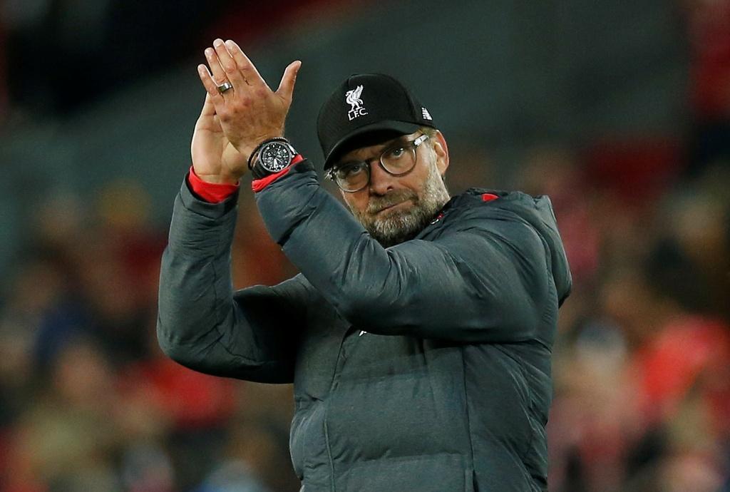 Salah lap cu dup trong tran dau co 7 ban thang cua Liverpool hinh anh 16