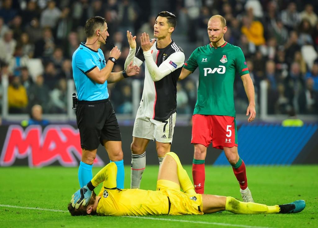 Ronaldo gao thet vi khong the ghi ban cho Juventus hinh anh 5