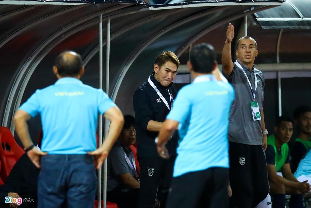 'Phai dua tro ly tuyen Thai Lan len FIFA xu nang' hinh anh 4