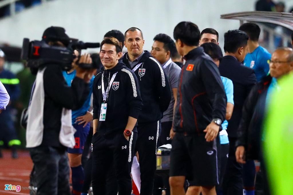 'Phai dua tro ly tuyen Thai Lan len FIFA xu nang' hinh anh 3