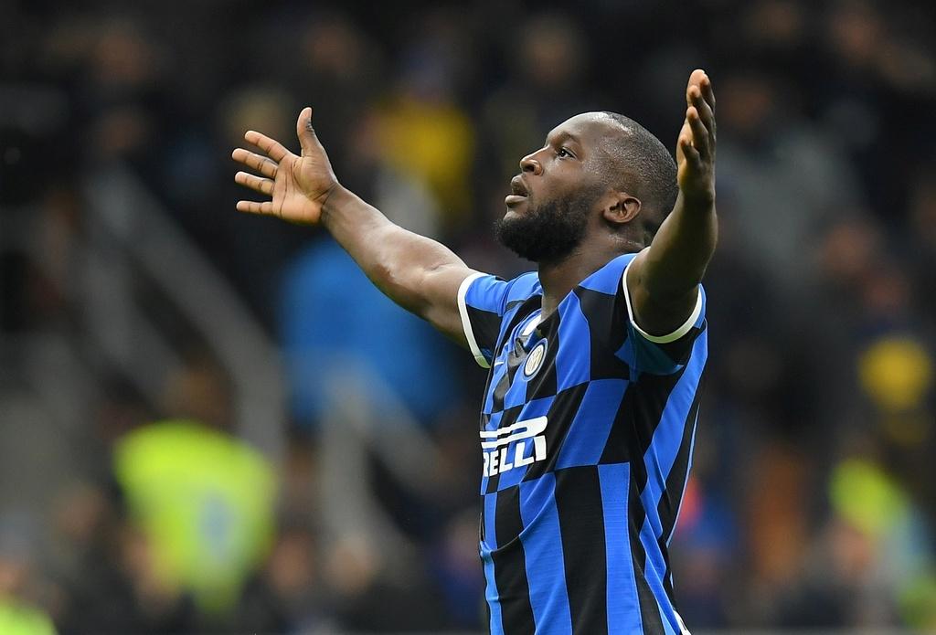 Lukaku ghi ban giup Inter lay lai ngoi dau tu Juventus hinh anh 1