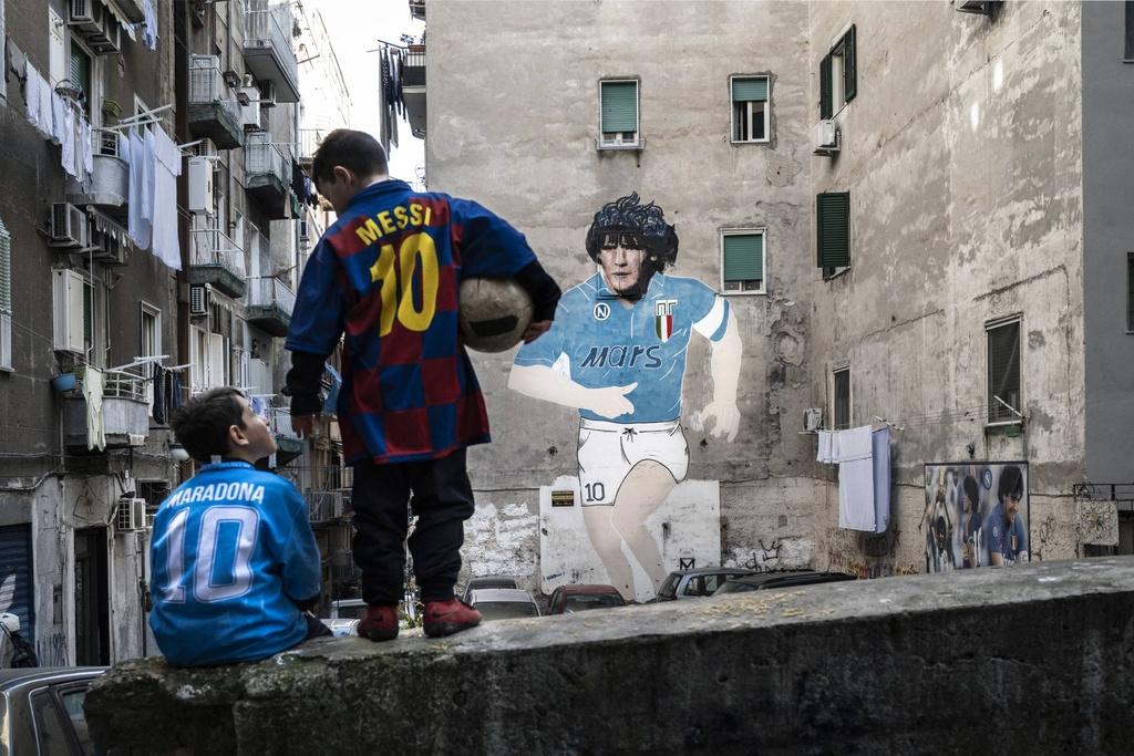 Maradona Messi anh 1
