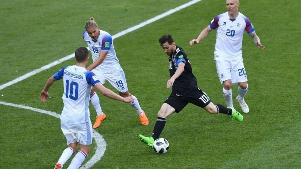 4 nguyen nhan khien Messi kem hon Ronaldo o DTQG anh 2