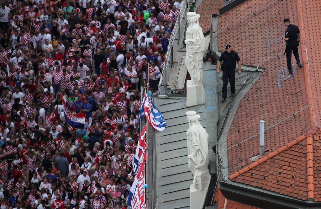 Thu do Croatia rop co hoa don nhung nguoi hung tro ve tu World Cup hinh anh 10