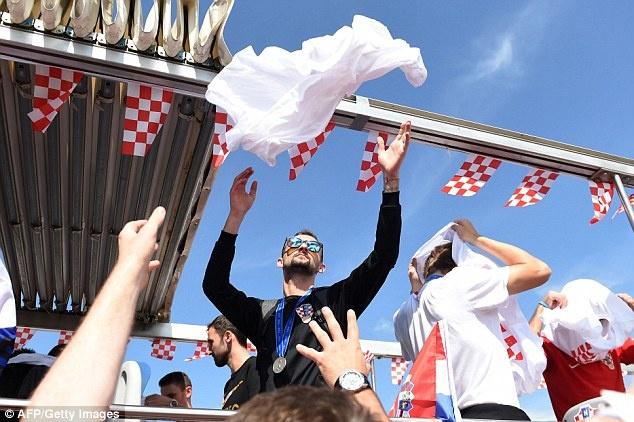 Thu do Croatia rop co hoa don nhung nguoi hung tro ve tu World Cup hinh anh 6