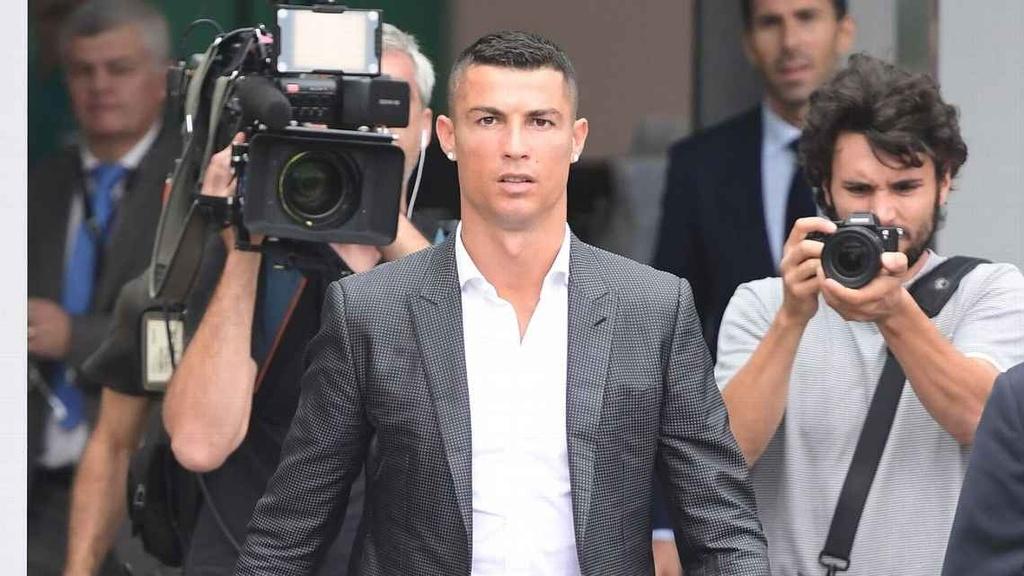 Ronaldo: 'Khong kho khan de quyet dinh roi Real sang Juventus' hinh anh 3