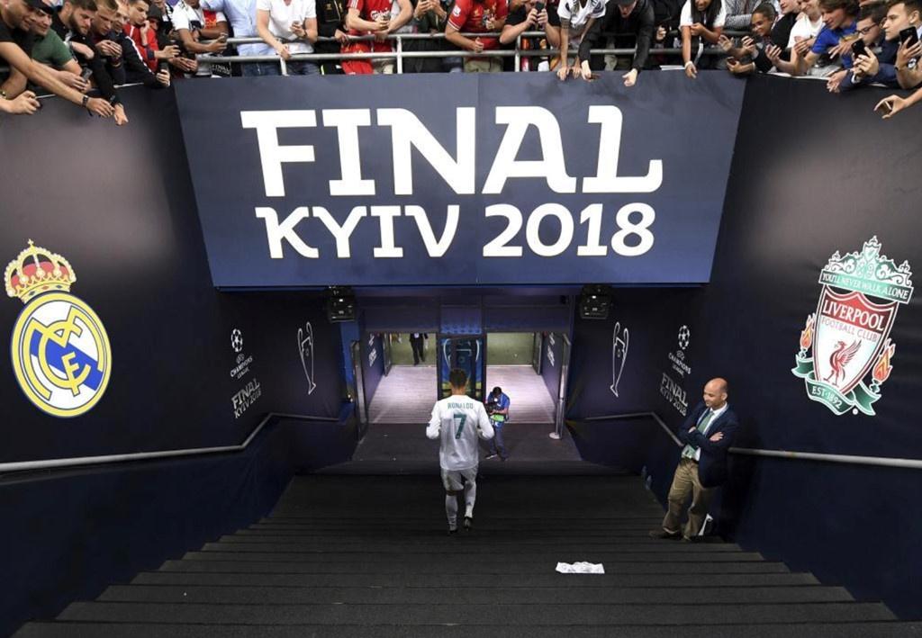 Ronaldo tron thue,  Real Madrid,  Juventus anh 1