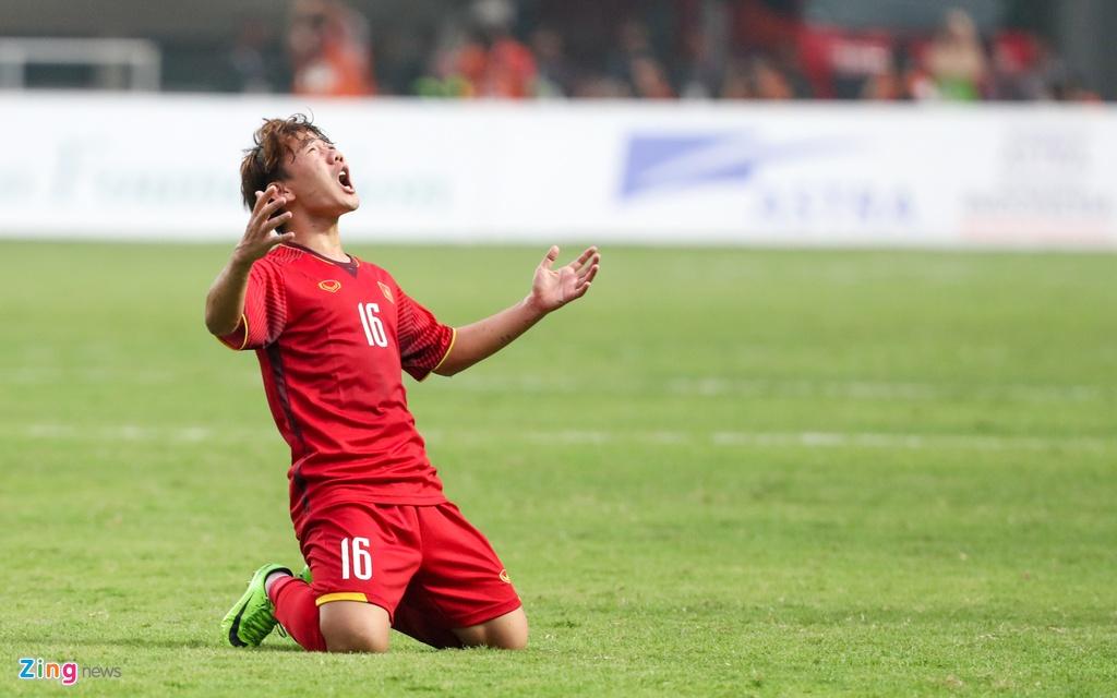Nguyen Quang Hai,  Tran Minh Vuong,  sut phat,  ban thang,  Olympic Viet Nam,  Han Quoc,  ASIAD anh 1